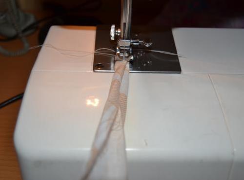 сшить полоски для завязок