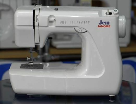 Швейные машины Джаноме JANOME: какую выбрать для дома?