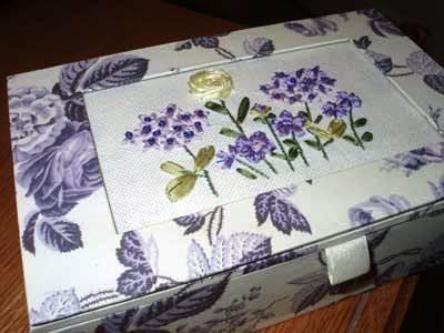 е картонной коробки своими руками